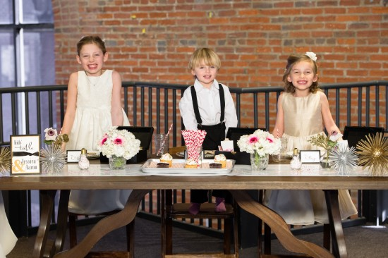 industrial-chic-wedding-ideas-lisa-boggs-photography-7-550x366