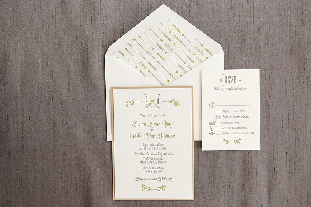 Pretty 2-color letterpress features an adorable monogram accented by illustrated leaves. A tan backing layer and patterned envelope liner complete the look.