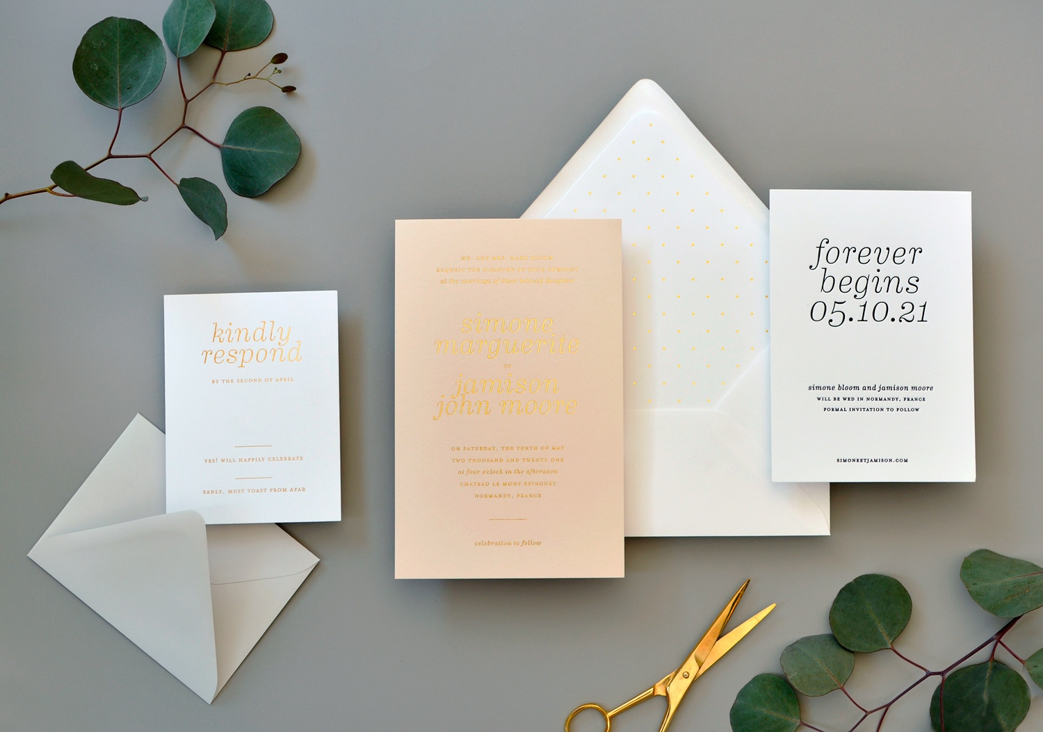 Simone foil stamped wedding invitation is beautiful in gold on pale peach!